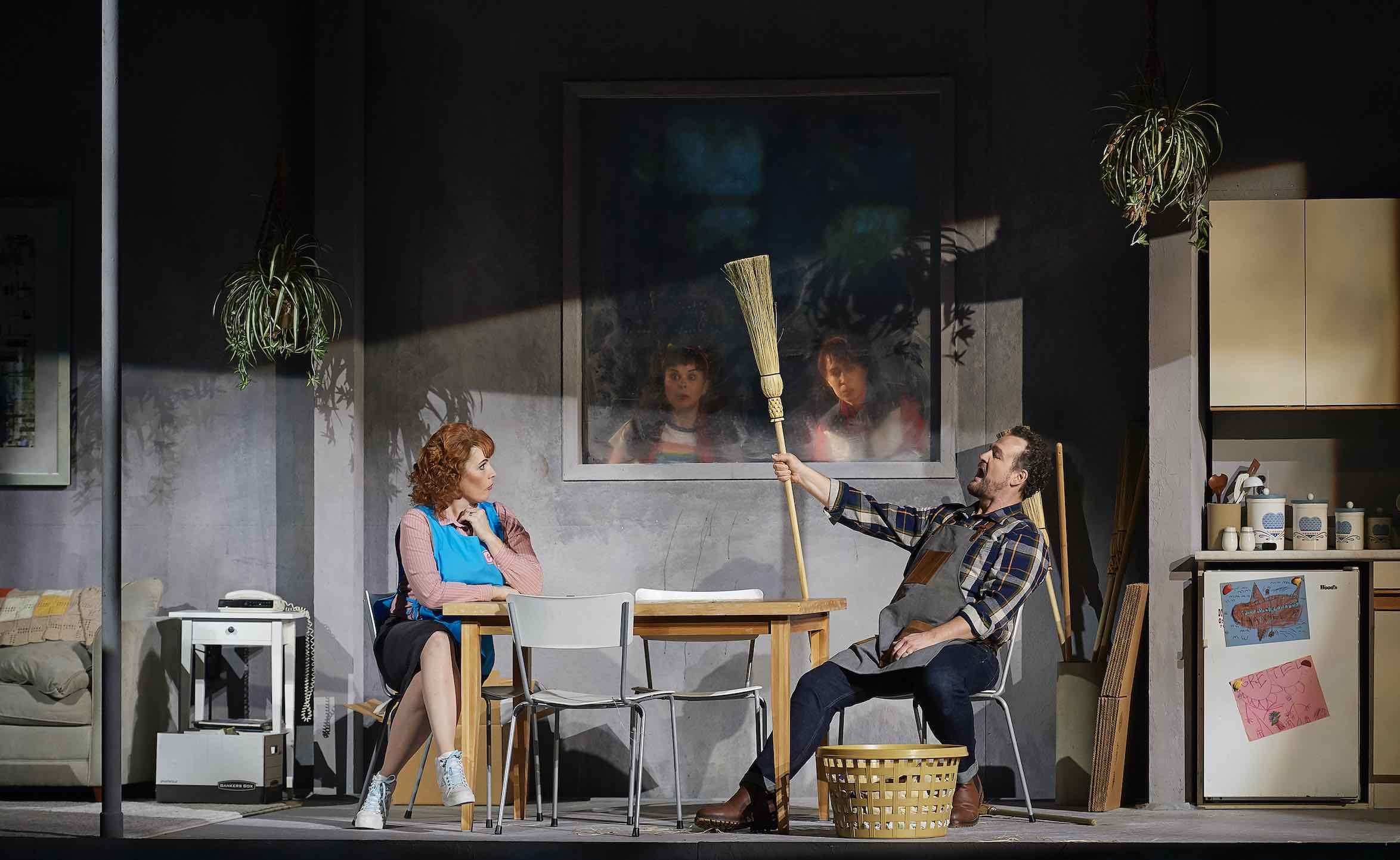 Krisztina Szabó as Gertrude and Russell Braun as Peter