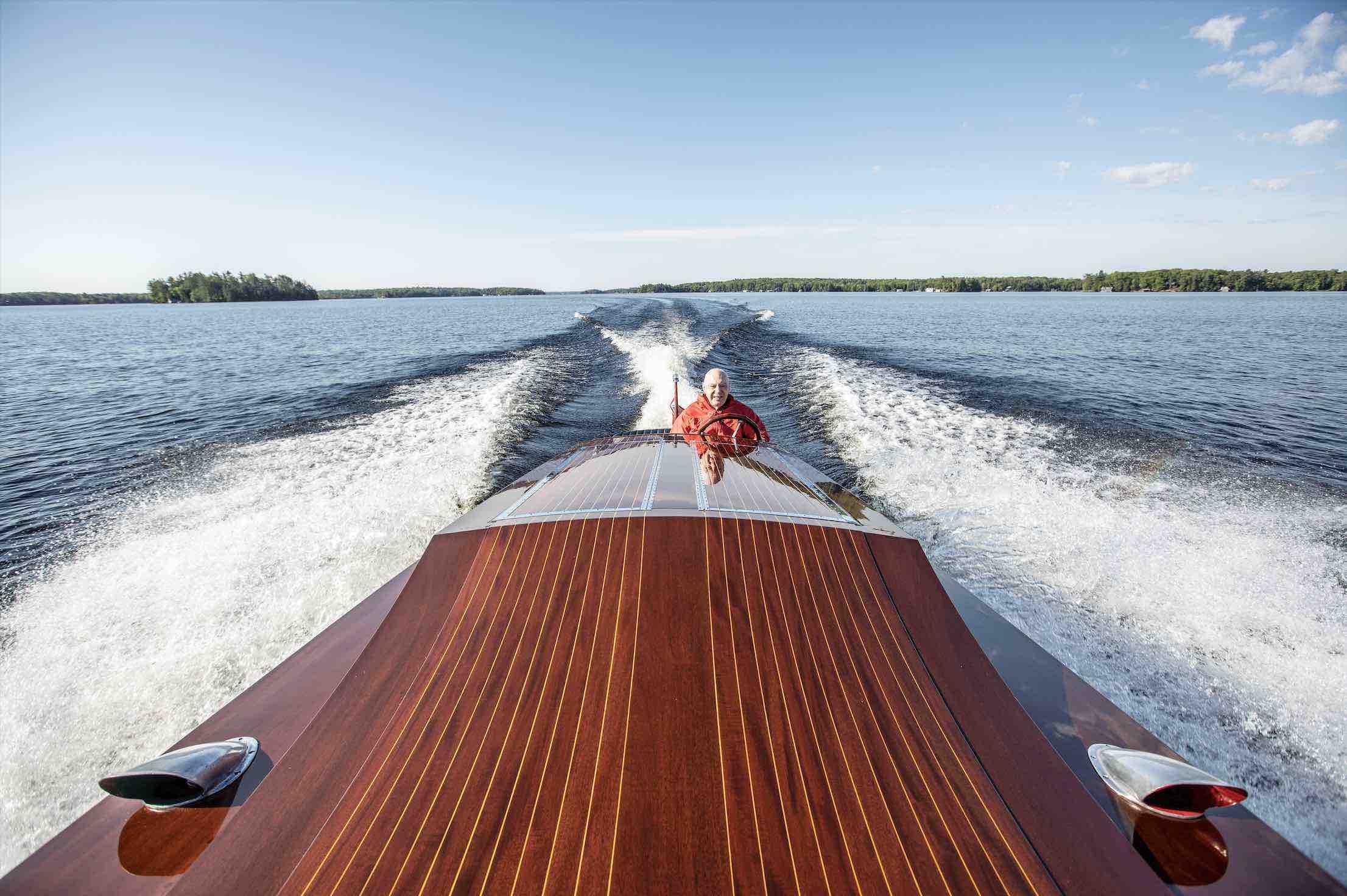 Miss Supertest III racing across the lake